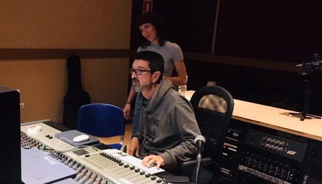 Grabando pianos en Millenia Estudios (Valencia) con David Barberá y Vicente Sabater.