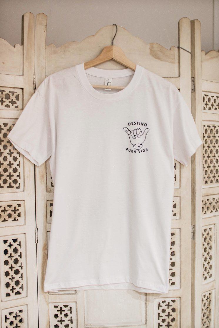 "Camiseta ""Destino Pura Vida"""