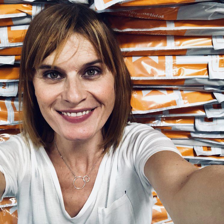 Una autora, editora y empaquetadora... al borde del colapso, aunque no lo parezca