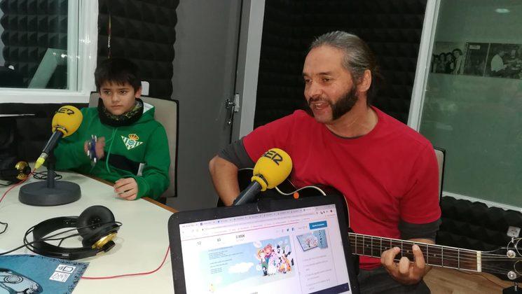 Cantando en Radio Ser Morón