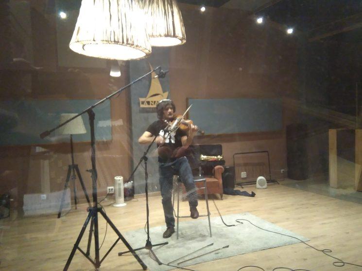 Más violines