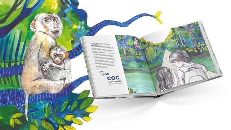 Interior del libro y detalle de una madre macaco cola de cerdo