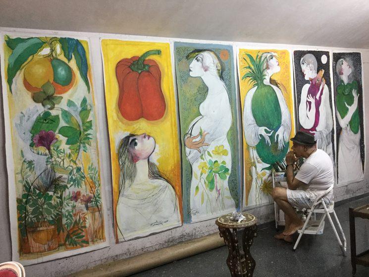 Saad Ali en plena creación artística