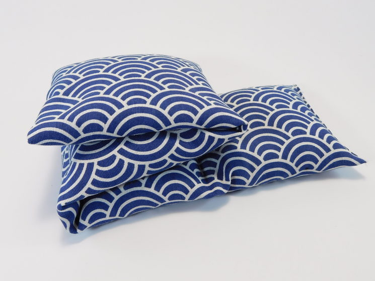 Cojín tamaño L, dibujo japonés azul