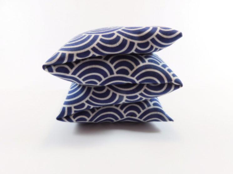 Cojín tamaño M, dibujo japonés azul