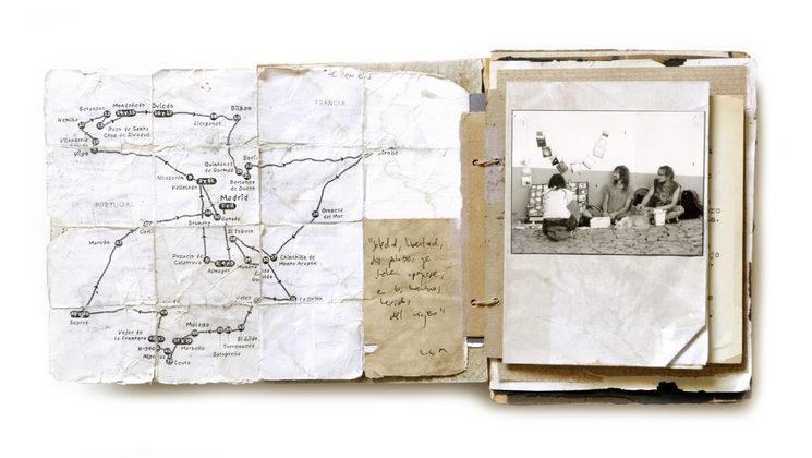 Cuaderno de bitácora de los viajes del autor entre 2008 y 2010, con mapa desgastado y prueba fotográfica de la experiencia ambulante.
