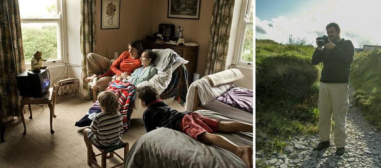 IZQUIERDA: Dormitorio de Granny. Listarkin, 2008 DERECHA: Alfredo Cáliz en la playa de Tra na lan, 2007