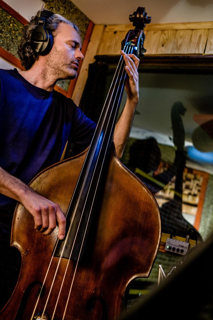 Joan Masana ha dotado a los temas de un sonido único y gustoso