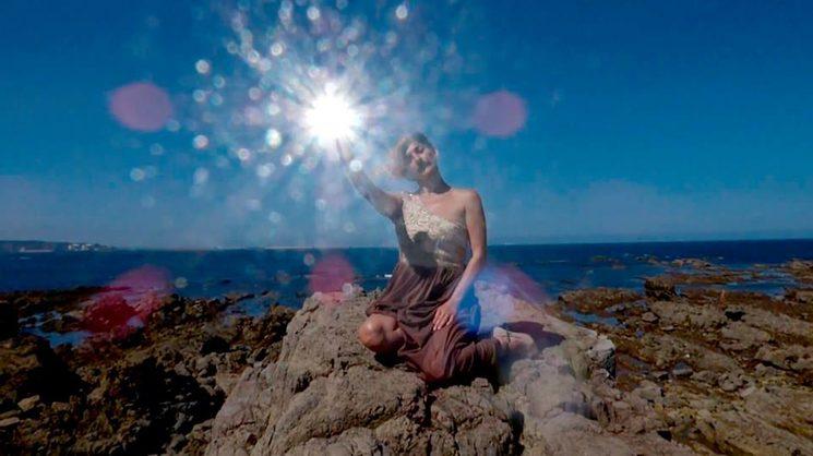 Imagen del videoclip de El Cerrajero