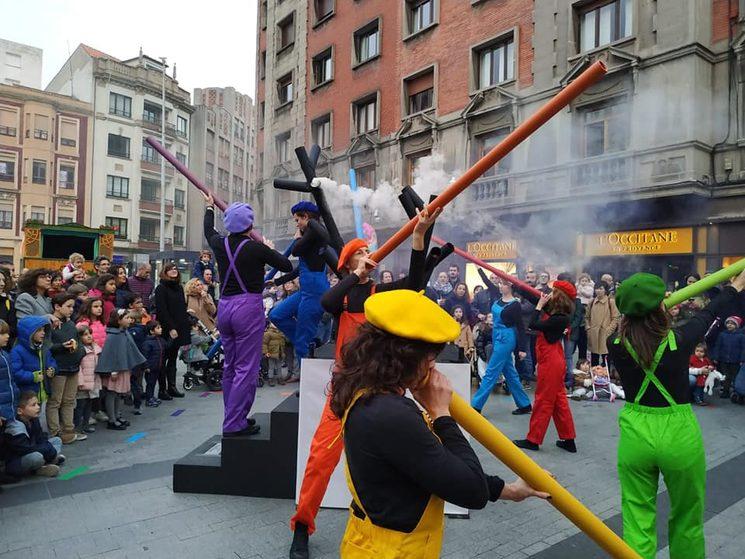 """Teatro del Cuervo en FETEN con """"Susurradores"""""""