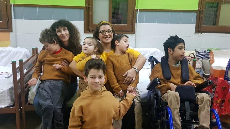 Leonor con Marta y algunos actores del cortometraje