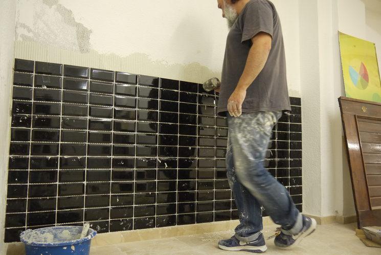 jorge y el muro de azulejos