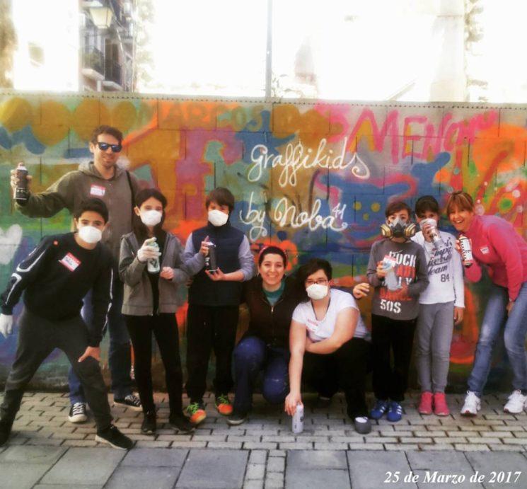 "Imagen de uno de mis talleres de ""Graffiti en familia"""