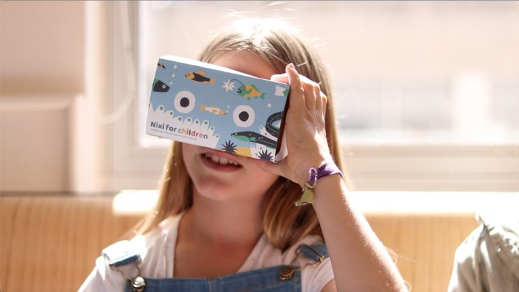 Visor de realidad virtual de Nixi for Children.