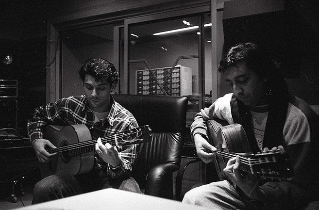 Josemi y Juan en la grabación de Songhai 2 (Foto encontrada y revelada para el documental)