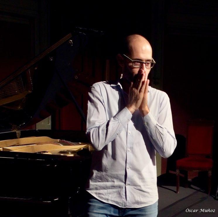Uno de los momentos más especiales tras el concierto en el Ateneo de Madrid