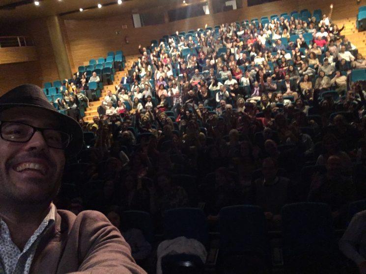 En Granada, un teatro prácticamente lleno con casi 400 personas,... no tengo palabras