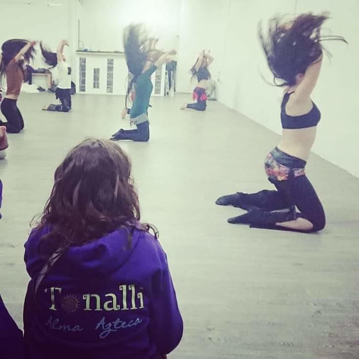 La sincronización de las bailarinas es clave para un buen espectáculo. Hay que repetir muchas veces todas las coreografías y corregir los errores o diferencias, por pequeños que sean..