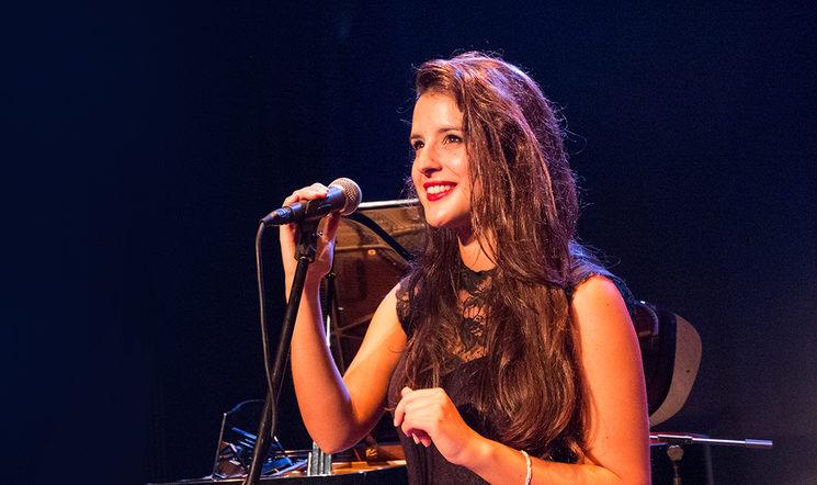 Zaida Almeida. Leading voice