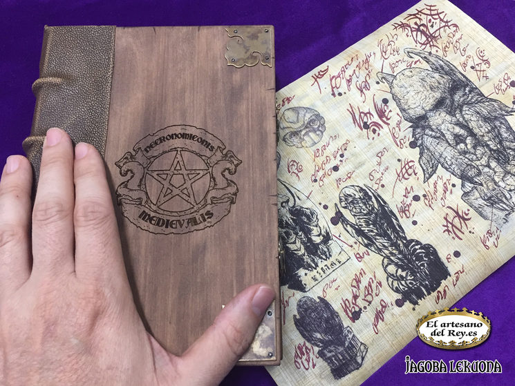 Necronomiconis Medievalis de 350 euros