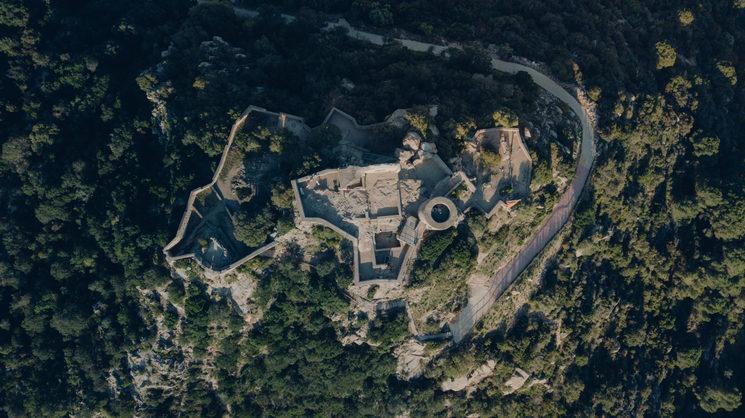 Vista zenital del castell de Burriac
