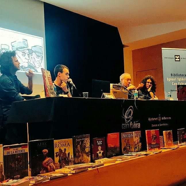 Fotografía de la presentación de la edición en catalán junto a Iván Pintor, Pepe Gálvez y Jaime Martín.