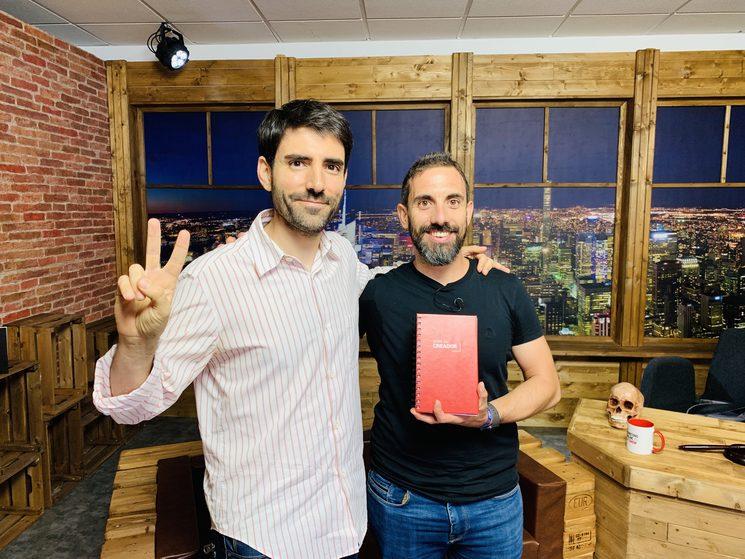 Con Sergio Calderón y el prototipo de la guía en el Late Show hace unos días