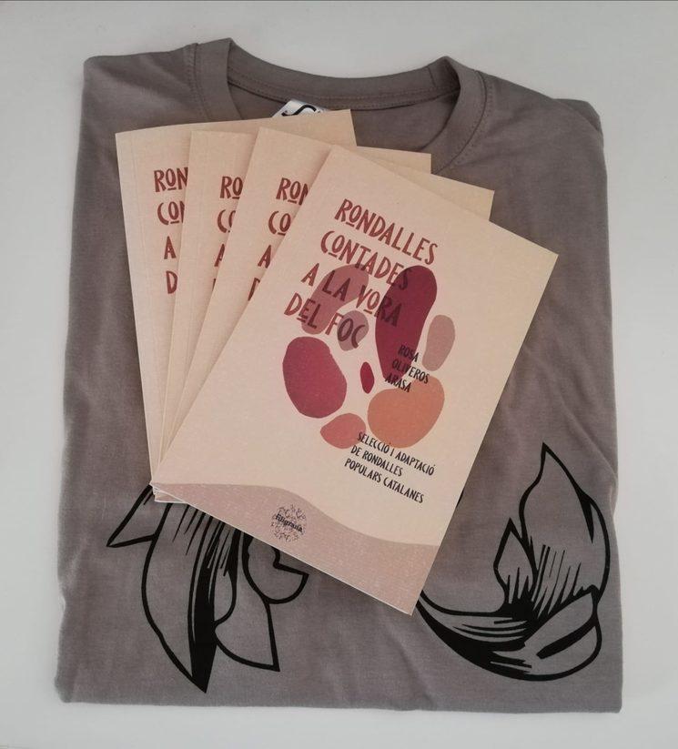 Ja tenim els llibres, els punts de llibre i les samarretes!