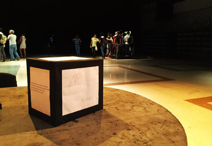 Suggestion box for the theater experience: The Island in Weight (La Isla en Peso)