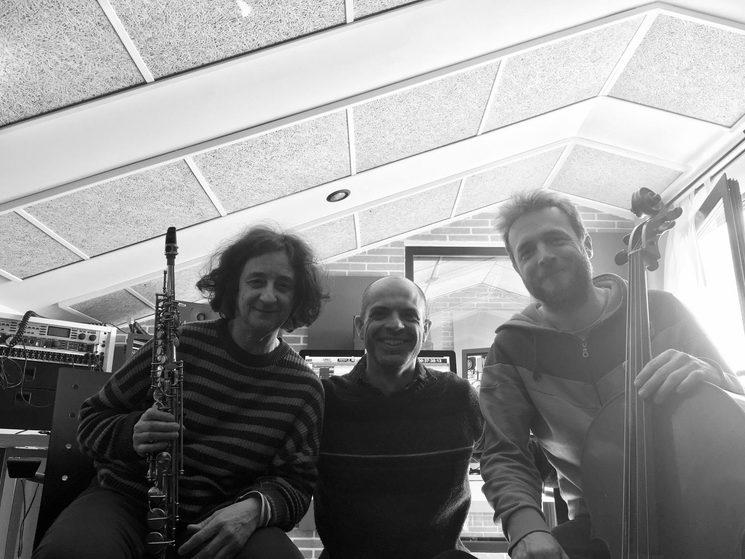 De izquierda a derecha: Chefa, Ian y Peter