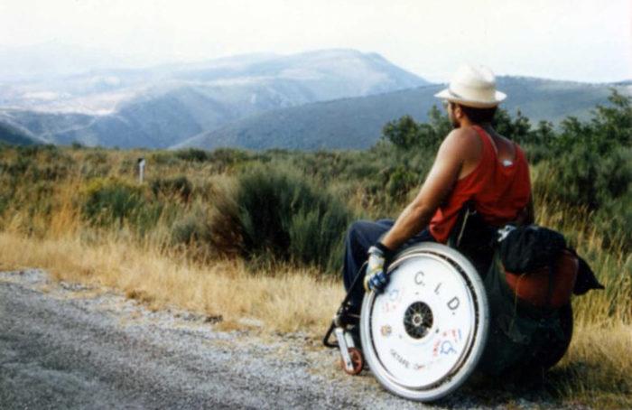 Yo bajando la Cruz de Ferro, Leon, Camino de Santiago 1993