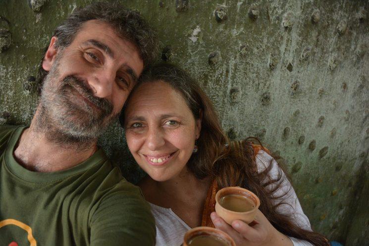 Iñigo y su mujer Izaskun en plan Chai romántico en India