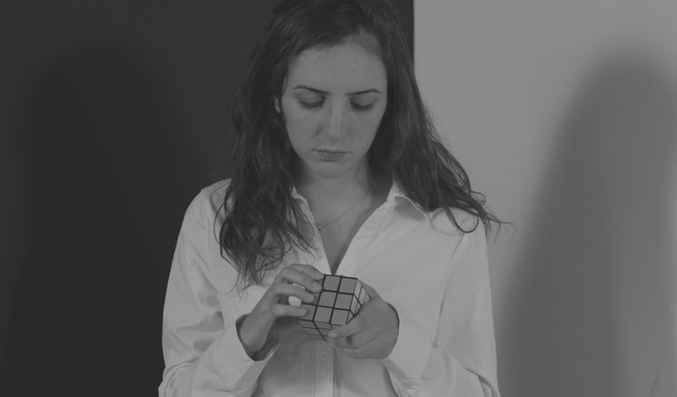 Vanessa y el Cubo Rubik
