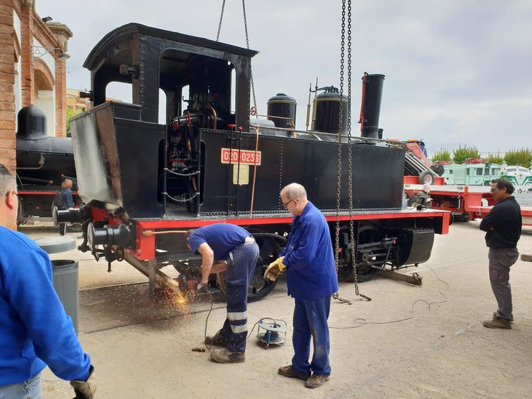 Preparation process for moving the locomotive, April 2019