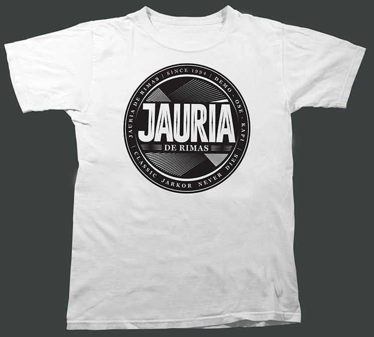 Camiseta blanca con logo negro