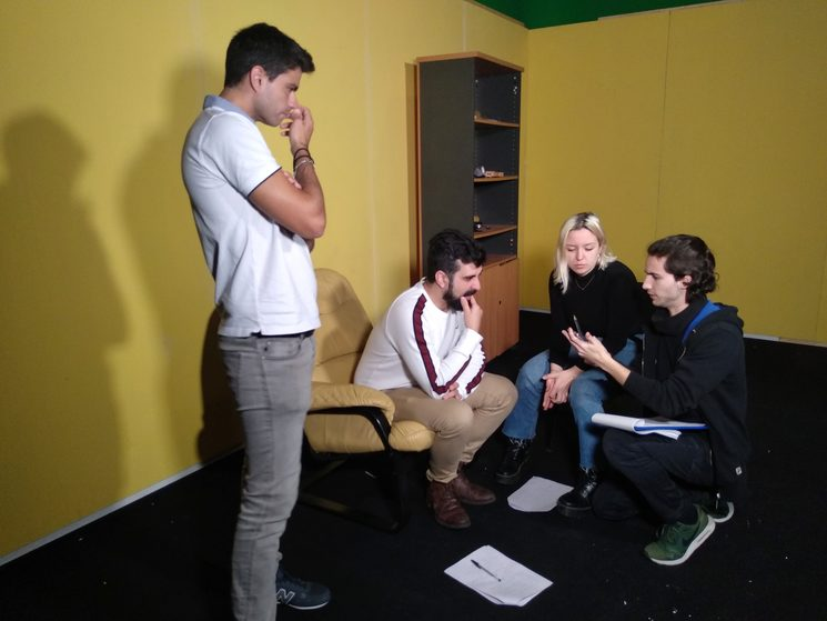 Joel dando instrucciones a nuestros actoresº