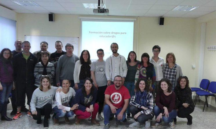 Formando a docentes de institutos