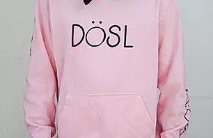 Model rosa amb serigrafia negra