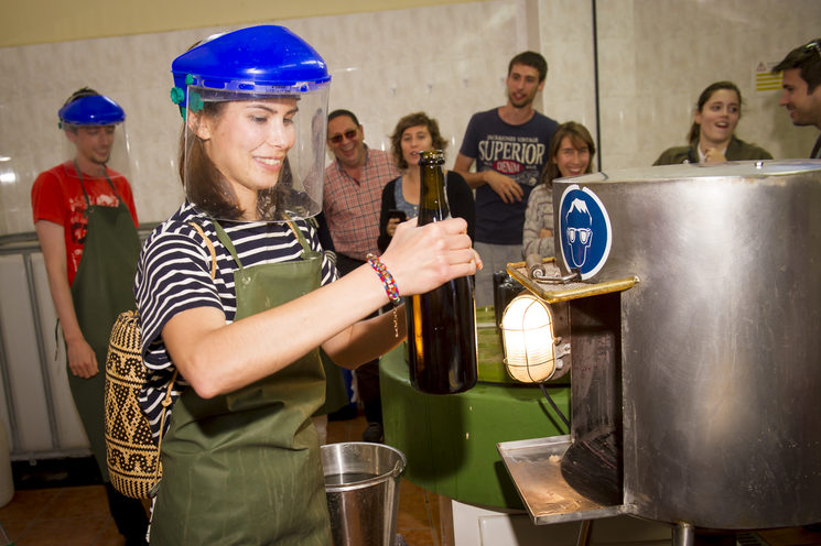Participate in the Create Your Cava Experience