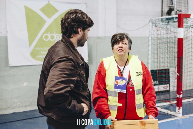 Rosa, madre de Aarón, y Carlos Pampín, director de Devolviendo el golpe