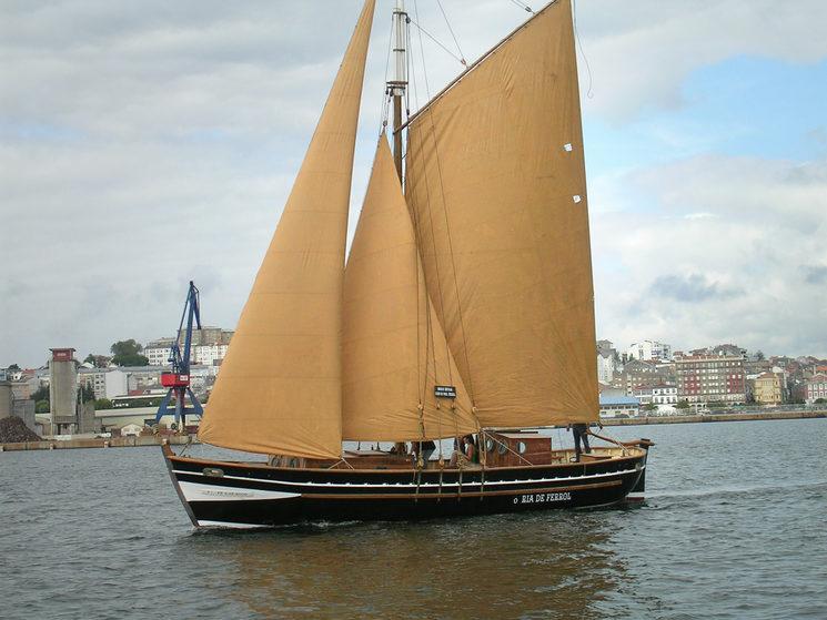 """The """"Ría de Ferrol"""" sailing in the bay of Ferrol in 2005"""