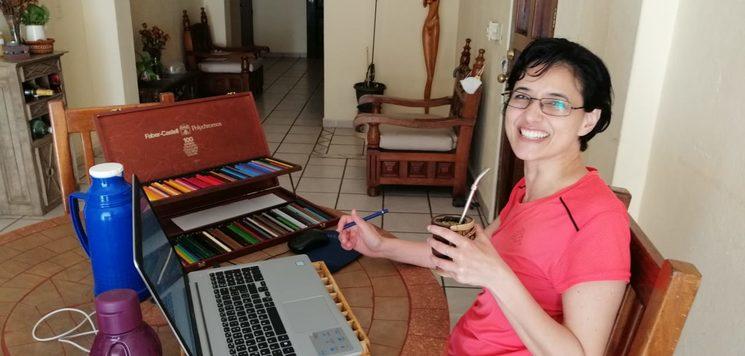 Laura Britos Meregaglia, ilustrando el cuento.