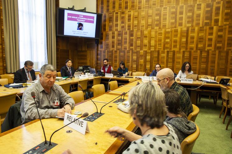Jon Alonso en la reunión de trabajo de la O.N.U con la familia Etxeberria Alvarez