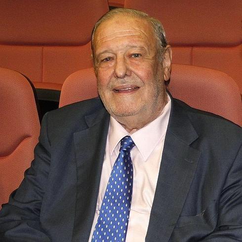 """José Luis Balbín (Pravia, 1940), periodista y director de """"La Clave"""""""