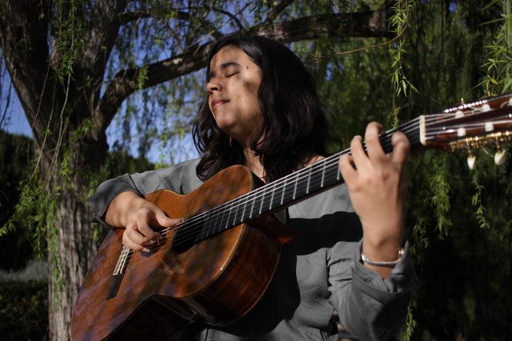 Ana Ferrer, guitarrist © Mark Kagan