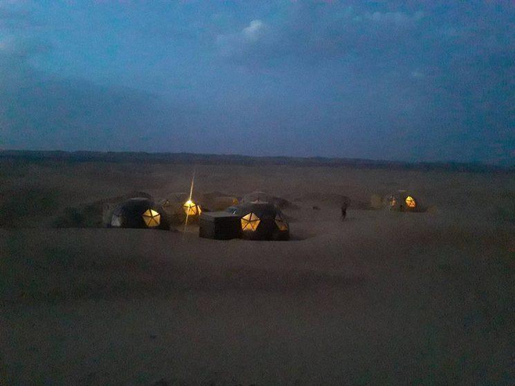 campamento iluminado