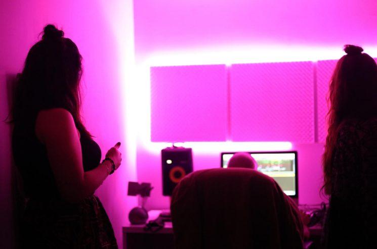 Trabajando en el estudio de producción, Julio 2020.