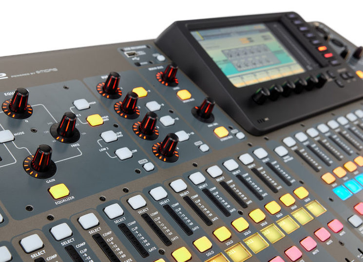 Realización audio, hasta 32 pistas digitales
