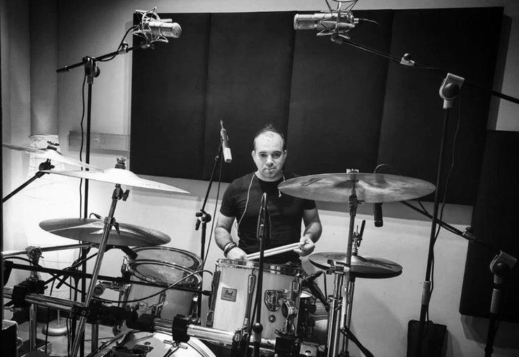 Alex a la batería