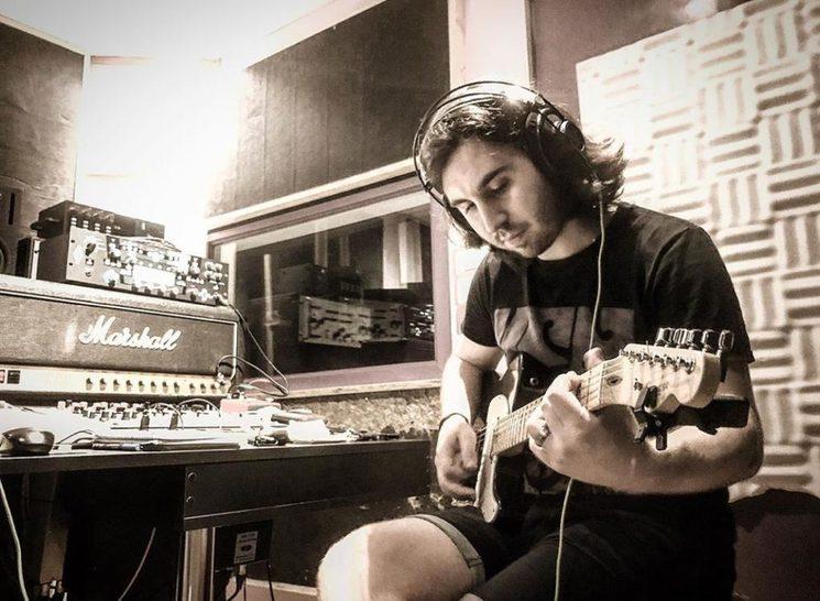 Aritz Pardina a las guitarras